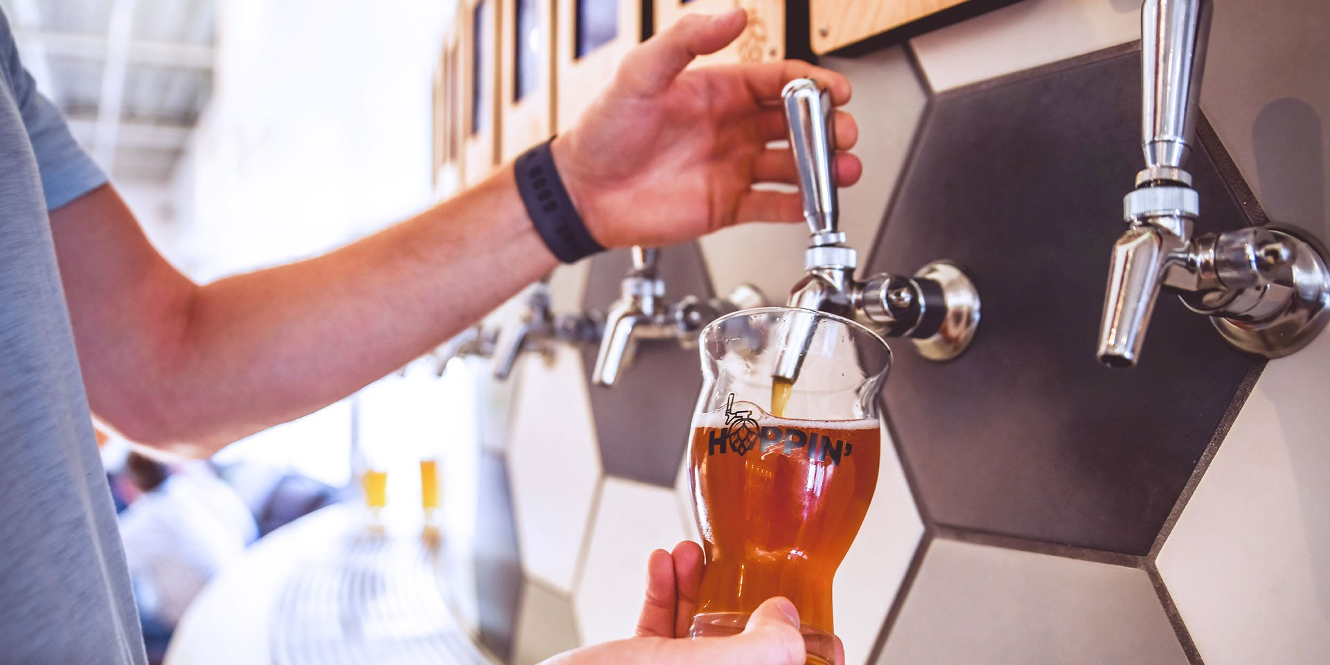 hoppin' self-pour taproom ipourit